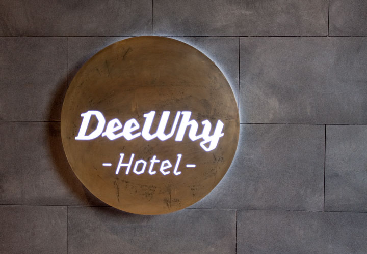 Dee Why Hotel Signage 02